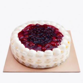 Cheesecake with Mixed Berry Pie Filling