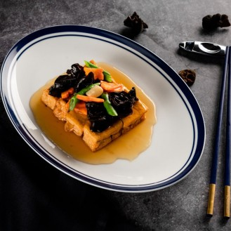 Wok-Fried Tofu with Black Fungus, Green Beans in Gravy